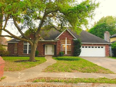 Baytown Single Family Home For Sale: 3807 Savell Drive