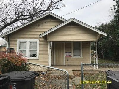 San Antonio Single Family Home For Sale: 207 Douglas Way Street