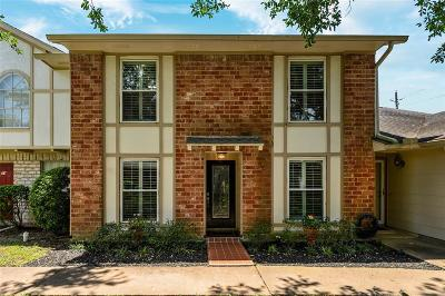 Missouri City Condo/Townhouse For Sale: 56 Chapparal Court
