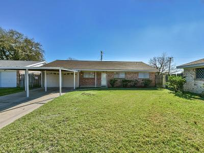 Texas City Single Family Home For Sale: 2401 15th Avenue N