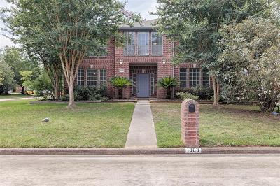 Tomball Single Family Home For Sale: 1303 Dove Trail