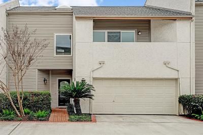 Houston Condo/Townhouse For Sale: 1522 Nantucket Drive #2