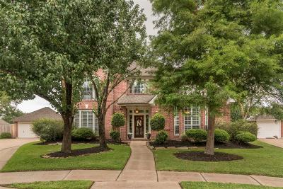 Pasadena Single Family Home For Sale: 16818 Middle Forest Drive