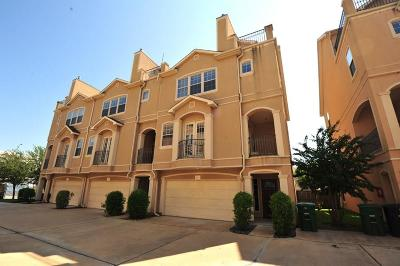 Houston Condo/Townhouse For Sale: 5615 Winsome Lane #C