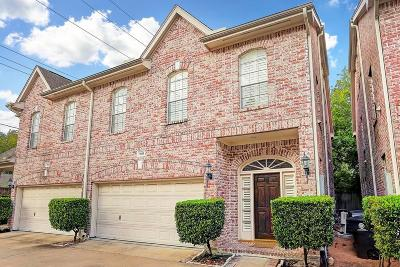 Houston Condo/Townhouse For Sale: 5835 Val Verde