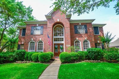 Sugar Land Single Family Home For Sale: 4303 Oak Trail Court