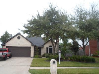 La Porte Single Family Home For Sale: 3407 Bayou Forest Drive
