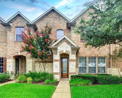 Houston Condo/Townhouse For Sale: 9222 Sunlight Oak Lane