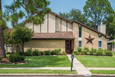 Friendswood Single Family Home For Sale: 1807 Talon Drive