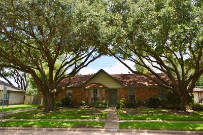 Single Family Home For Sale: 707 Whitecap Drive