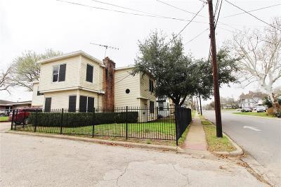 Brenham Single Family Home For Sale: 702 E Main Street