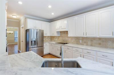 The Woodlands Single Family Home For Sale: 15 Gallant Oak Place