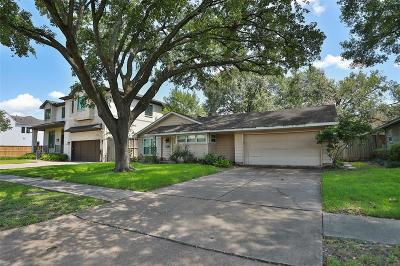 Bellaire Single Family Home For Sale: 4617 Verone