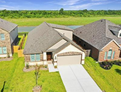 Alvin Single Family Home For Sale: 429 Lake Line Drive