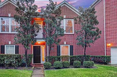 Houston Condo/Townhouse For Sale: 926 E Heights Hollow Lane