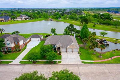 Friendswood Single Family Home For Sale: 1619 Stoney Lake Drive