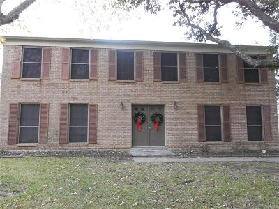 Friendswood Single Family Home For Sale: 423 Gleneagles Drive