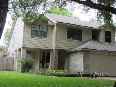 Sugar Land Single Family Home For Sale: 2010 Creekshire Drive