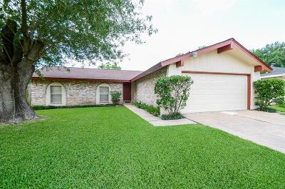 Sugar Land Single Family Home For Sale: 13811 Clark Towne Lane