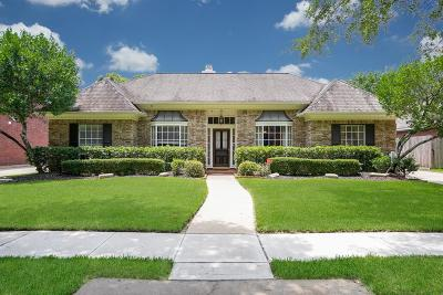 Sugar Land Single Family Home For Sale: 4422 Jamaica Drive