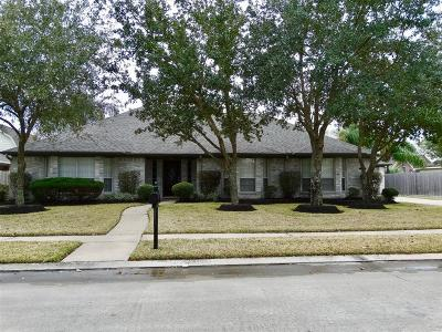 Friendswood Single Family Home For Sale: 812 Piney Ridge Drive