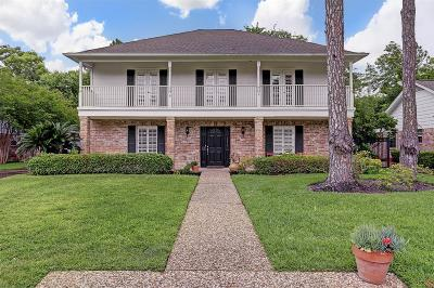Houston Single Family Home For Sale: 10814 Piping Rock Lane