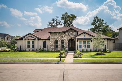 Friendswood Single Family Home For Sale: 1702 Hunters Trail
