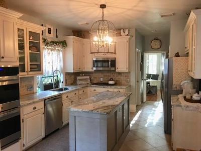 Seabrook Single Family Home For Sale: 1006 Live Oak Lane