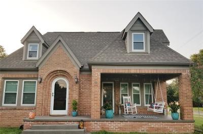 Single Family Home For Sale: 210 Merritt Street