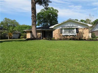 Nassau Bay Single Family Home For Sale: 18307 Hereford Lane