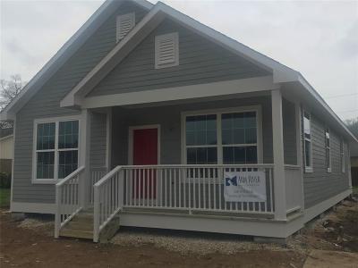 Brenham Single Family Home For Sale: 1102 Prairie Lea Street