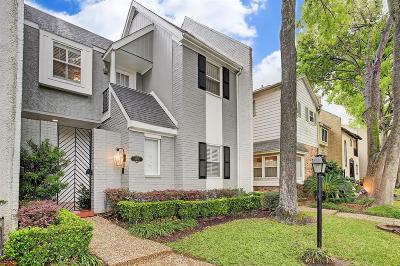Houston Condo/Townhouse For Sale: 9707 Briar Forest Drive