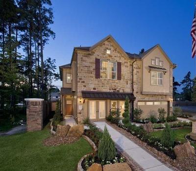 Kingwood Condo/Townhouse For Sale: 25374 Fallen Acorn Court