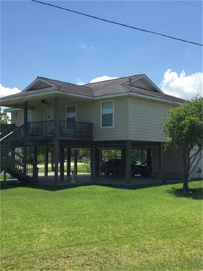 Dickinson TX Single Family Home For Sale: $200,000