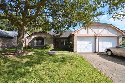 Dickinson, Friendswood Single Family Home For Sale: 16727 Colony Bend Drive