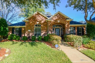 Sugar Land Single Family Home For Sale: 13415 Shady Bay Court