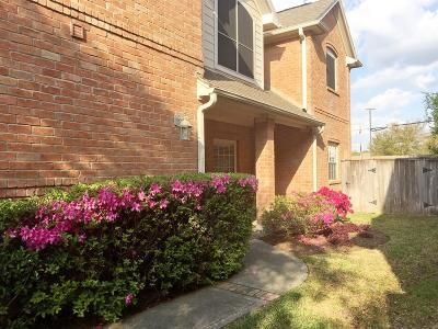 Houston Condo/Townhouse For Sale: 1139 Enclave Square E