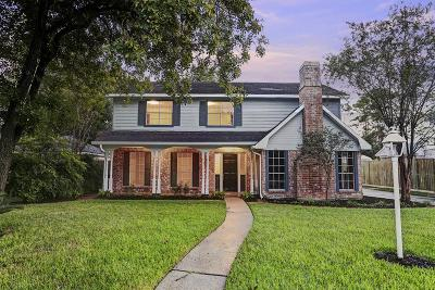 Spring Single Family Home For Sale: 723 Shadowbrook Drive