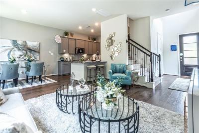 Condo/Townhouse For Sale: 5009 Lehman Oaks Drive
