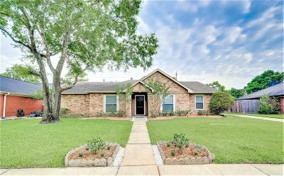 Sugar Land Single Family Home For Sale: 13302 Nantucket Drive