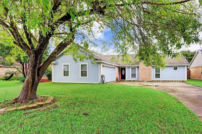League City Single Family Home For Sale: 5622 Buttercup Street
