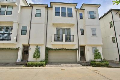 Houston Condo/Townhouse For Sale: 8902 Lakeshore Bend Drive