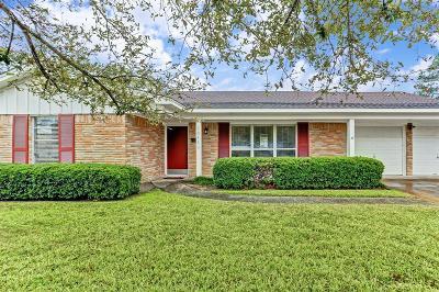 Houston Single Family Home For Sale: 10423 Shadow Wood Drive Drive