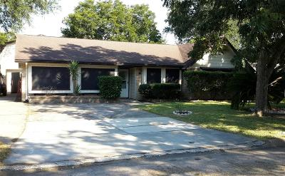 League City TX Single Family Home For Sale: $199,000