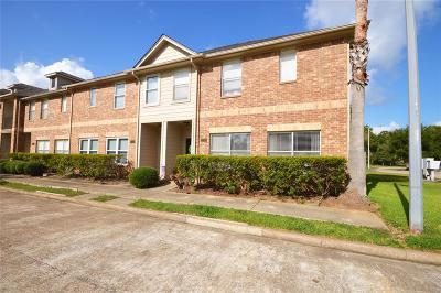 Seabrook Condo/Townhouse For Sale: 2051 Glencove Drive