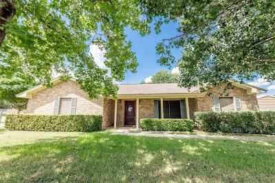 Columbus TX Single Family Home For Sale: $230,000