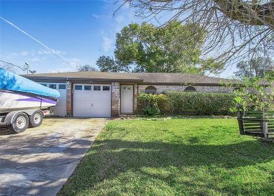 Kemah TX Single Family Home For Sale: $190,000