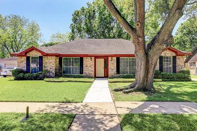 Single Family Home For Sale: 15510 Baybrook Drive