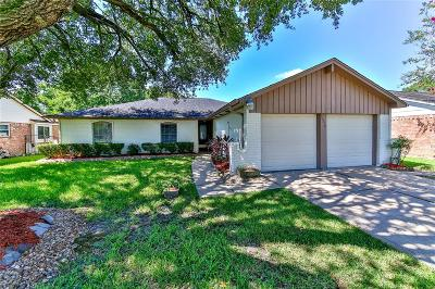 Friendswood Single Family Home For Sale: 16210 Forest Bend Avenue
