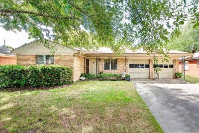 Houston Single Family Home For Sale: 859 Sara Rose Street